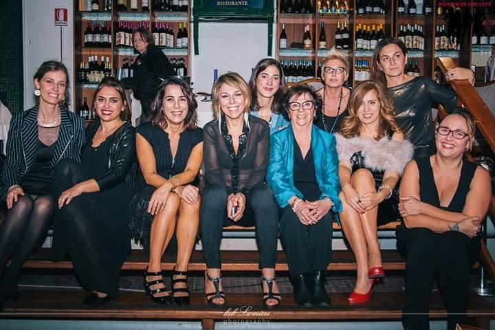 foto di gruppo Women in The City Genova